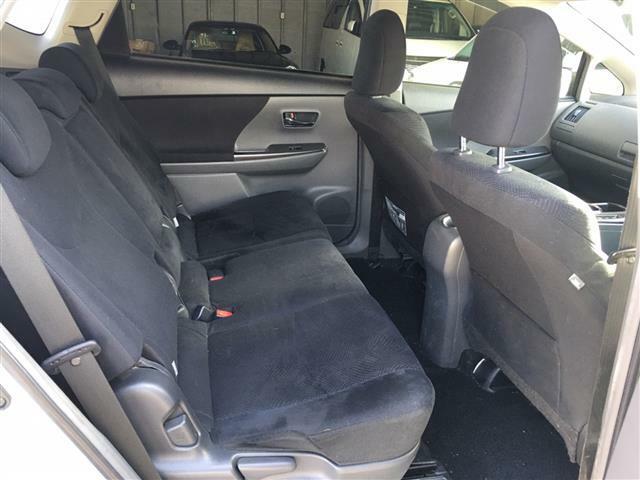 【後席シート】とてもゆったり座れるシートになっています。