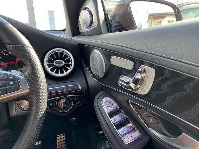 エアコン吹き出し口、ツイーター、各ドアのイルミネーションも36色変更可能です☆