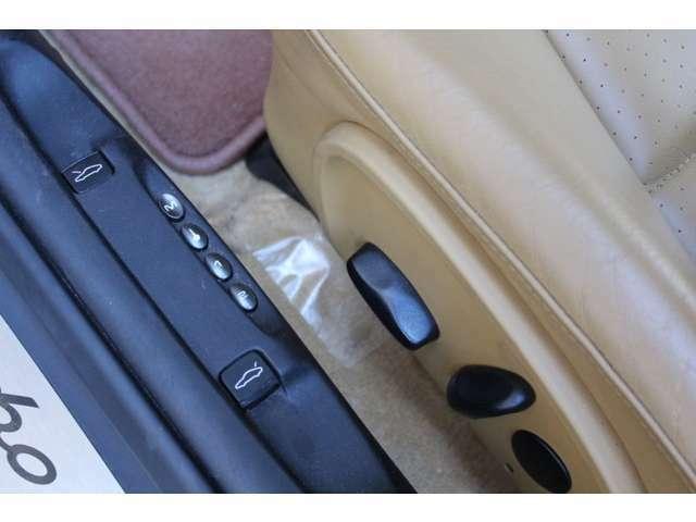 新車時メーカーオプションのメモリー付パワーシート付です。新車時メーカーオプション150万円相当付です。詳しくは弊社ホームページをご覧くださいませ。http://www.sunshine-m.co.jp