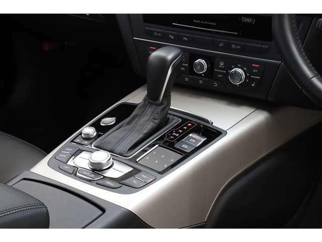 トップランク船橋セカンドベースではSUVやステーションワゴンタイプのお車をメインに展示しております。お車でのアクセスは、京葉道路(花輪インター出口)より10分の場所に御座います。