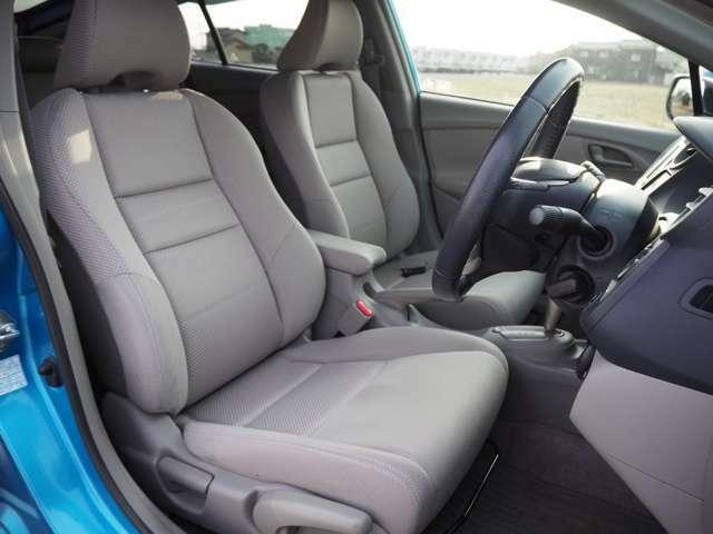 新車からシートカバーを装着されていたので綺麗なシートです。
