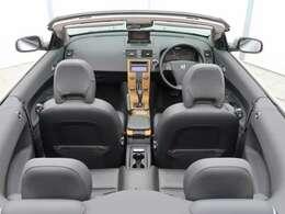 """ボルボの""""コンバーチブル"""" C70 カブリオレ ベースグレードが入庫しました!オープンカー!黒本革シート!バックカメラ!内外装ともに良好な一台!シートヒーターやパワーシートなど快適装備も充実!"""