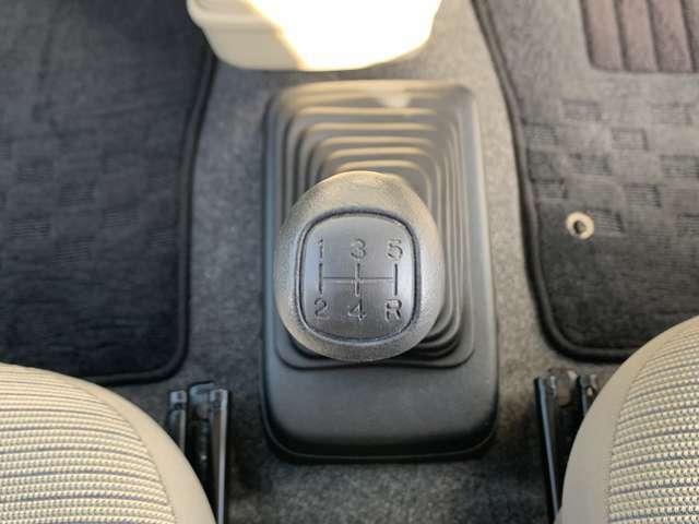 ☆5MT設定車!しっかりマニュアル需要にも応えられるお車です。