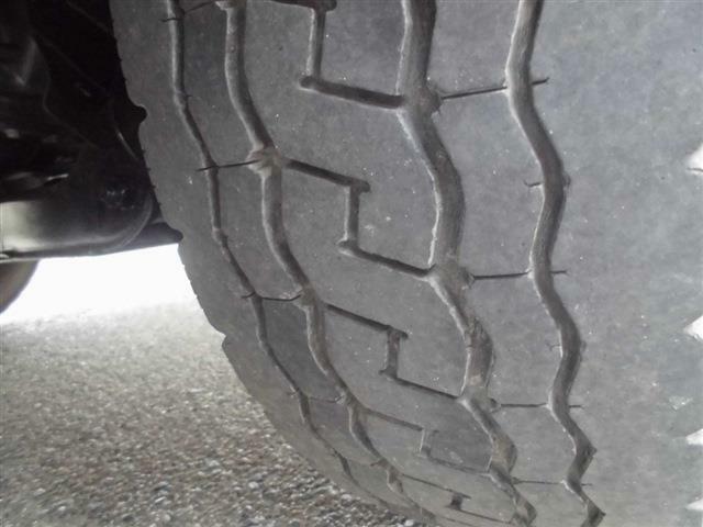 ■フロントタイヤは溝がまだまだあります■