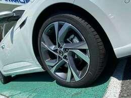 法定12ヶ月点検整備付メーカーに基づく納車点検整備後、納車致します。(法定12ヶ月点検のみ車両価格に含む)