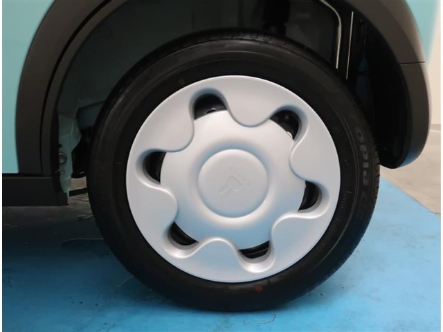【155/65R14】タイヤの残り溝もしっかり残っております。ご納車前に点検・空気圧調整もさせて頂きますので、ご安心下さい。