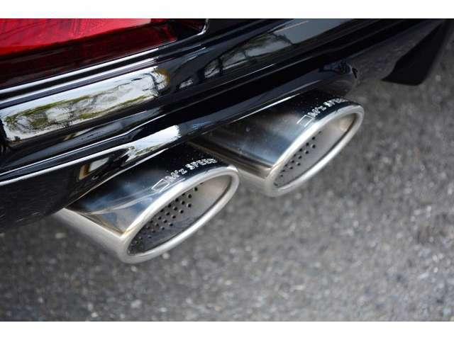 【車検対応で安心です】ZEUS4本出しマフラーが標準装備!!オールステンレス製なので、音が大きくなる心配がありません♪もちろんエアロパーツ等も車検対応となります。