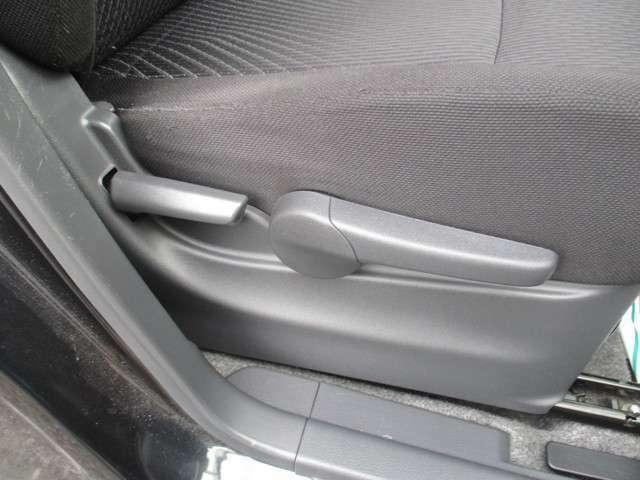 シートの高さを調整出来るシートリフター。
