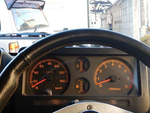 走行距離:約19.4万Km。タイミングベルトなど交換済みなので、まだまだ元気に走りますよ。