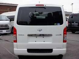 2.8リッターディーゼルターボ/両側電動ドア/パノラミックビューモニター/スマートキー&エンジンプッシュスタート/Wエアバック/トヨタセーフティセンス/AC100V電源/ハーフレザーシート