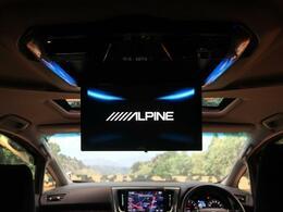 ★【アルパイン製12型フリップダウンモニター】も装備されております♪お子様など、ロングドライブでも退屈せず楽しくお過ごしいただけます。ミニバンでは人気No.1装備♪