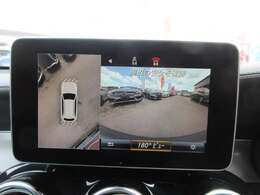 純正メモリーナビ付き♪ 360°カメラ搭載で、死角も安心ですね♪ まるで車体を上空から確認しているように見えます♪
