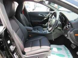 専用インテリア&専用ブラック本革シート付♪ レッドステッチがお洒落なスタイルになります♪ 専用スポーツシート搭載になります♪