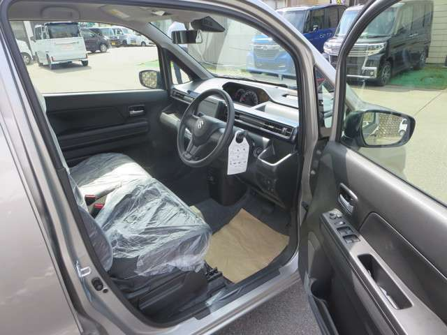 フロントシートです!お乗りになられた時のお姿を想像して下さい♪♪電話でのお問い合わせは0066-9711-371604(無料)です♪お気軽にどうぞ♪