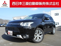 三菱 アウトランダーPHEV 2.0 G ナビパッケージ 4WD フルセグTV・DVDビデオ機能付きナビ搭載車.