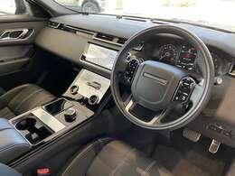 一見シンプルでありながら、細部にこだわりが見られるのが英国車の特徴です。
