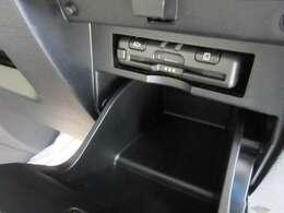 オプションセットのETC車載機です。遠出する際にも重宝しますよ!料金所の支払いもスムーズです☆