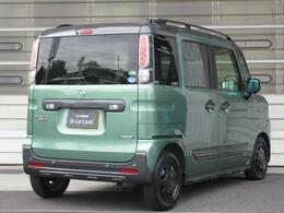 ボディカラーはツールグリーン/ブラックのツートンカラーになります。