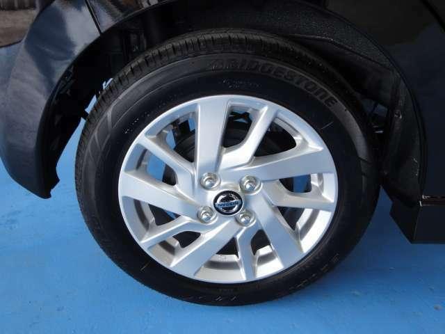 タイヤ・ホイールも綺麗に磨きあげられてます!