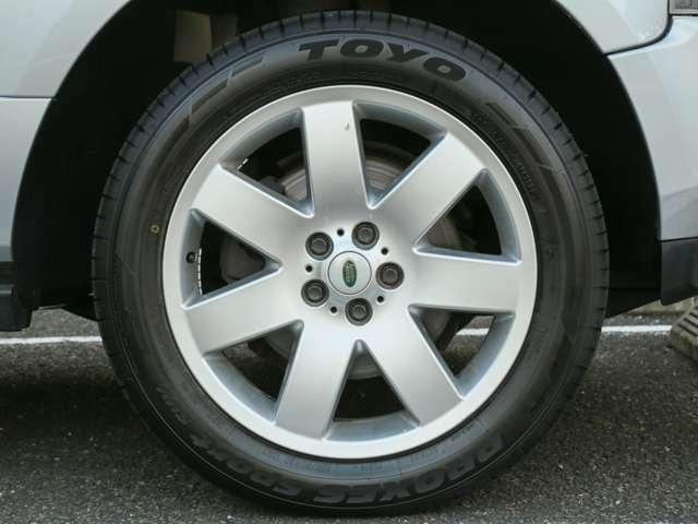 タイヤ4本新品交換済です。