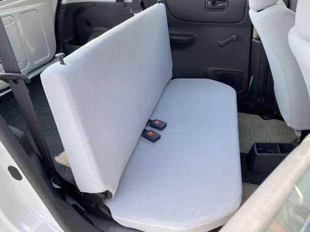 後席シートもございますので、いざというときは4人乗車可能です☆