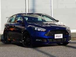 UK(イギリス)モデルに伴い、右ハンドルとなります!日本ではあまり見かけないレアな車種となります!日本でも扱いやすい仕様となっており、当店顧客様より、好評を頂いております!