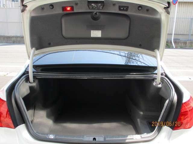 純正6連奏DVDプレーヤー 地デジ オートトランク ドアクロージャー  納車時、12ヶ月点検整備+オイル・エレメント交換+交換の必要な消耗部品交換+バッテリー新品交換にて御納車します。