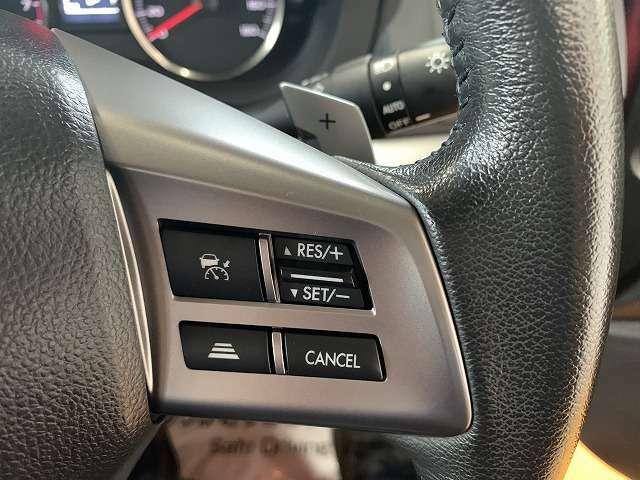 先進運転支援システムのアイサイトver2搭載!!もしもの時も安心感がありますね!!クルーズコントロールも連動していてとっても便利ですね!!