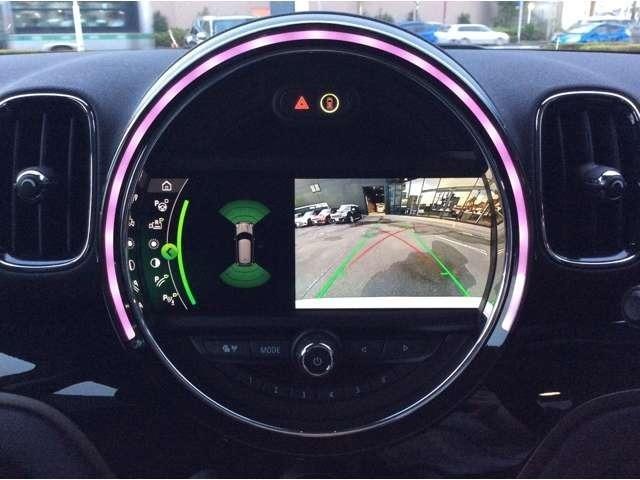 リア・ビュー・カメラで駐車や後方確認の際、ドライバー様の助けになってくれます。バックする時に大切なお車も安心ですね
