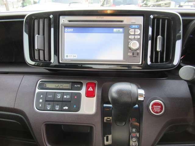 フルセグ・DVD再生・Bluetoothなど付いてとても便利な車両です♪