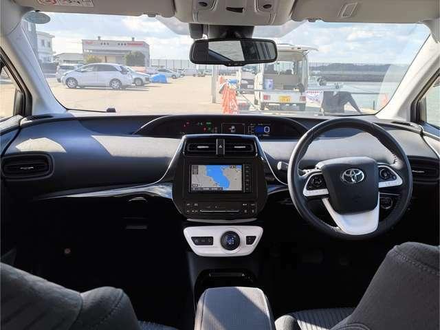 外部機関にてクルマの査定を行っています。日本自動車鑑定協会やAISの第三者機関で車輌を細かくチェックし、気になる修復歴や車両コンディションを予めご確認頂けます。詳しい状態はスタッフまで御用命下さい。
