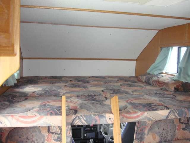 上段のベット写真です、意外とゆったりした空間になります