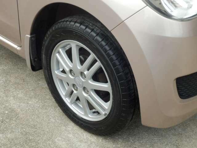 タイヤも綺麗にしております。