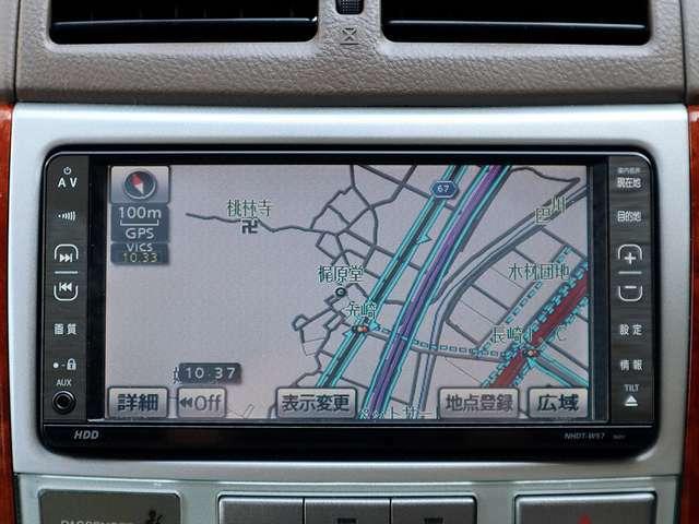 【HDDナビ】こちらのお車はHDDナビを装備しております。高性能なナビ機能の他、DVDの視聴できます。ドライブ中の楽しみも増え、便利でお得な装備でございます