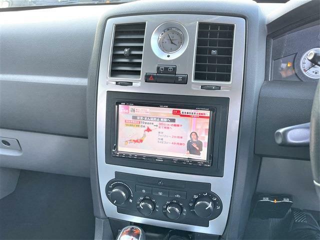 3.5 ディーラー車 右ハンドル レザーシート&シートヒーター 社外HDDナビ&DTV バックカメラ ETC リアモニター 純正18インチアルミ キセノンライト クルーズコントロール ルーフキャリア