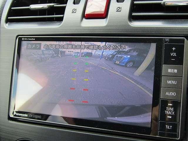 嬉しいナビ付です。知らない道でも安心ですね!更にバックカメラ付きで運転が苦手な方も車庫入れラクラクです!狭いところでの駐車場もお車を傷つけず安心ですね!フルセグTV,DVDビデオも見れますよ!