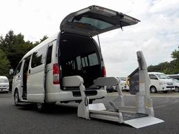 トヨタ ハイエースバン 2.0 ウェルキャブ Bタイプ ロング 自動ドア 電動固定式 禁煙車