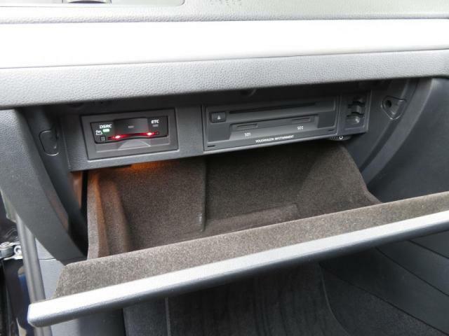 高速走行で便利なETCがグローブボックス内に装着されています*