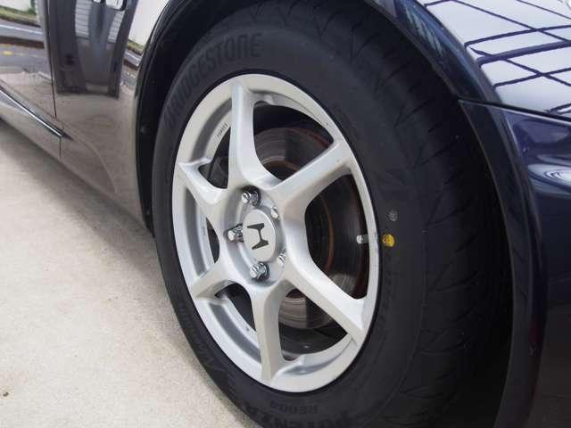 純正オプションBBS製鍛造ホイール・タイヤはBS製ポテンザに全て新品交換済みです。
