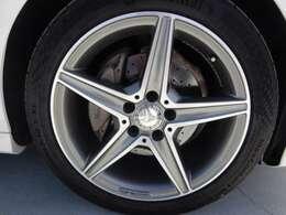 純正18インチアルミホイール!タイヤは2020年製造のコンチネンタル・マックスコンタクトMC6へ交換済みです!