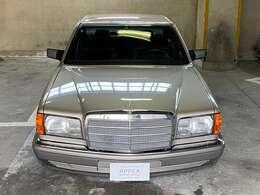 """メルセデスのフラッグシップ・セダンに「Sクラス」の名を冠した最初のモデルが""""W116″型モデル!その後継車として""""W126″型2代目Sクラスは1979年のフランクフルト・モーターショーで発表された!!"""