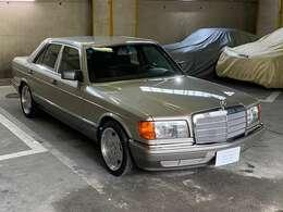 W126は1979年-1991年まで13年間も生産・販売!当時憧れの人気モデルで高級車の頂点として有名だった◎「最善か無か」の精神を地で行っていた時代のメルセデスのフラッグシップモデルは確かにイイ!!