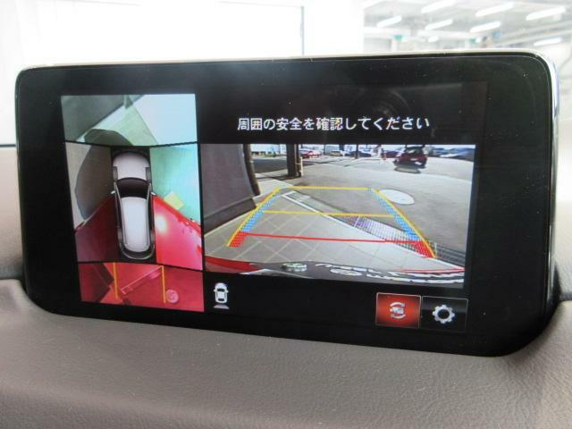 360°ビューモニターが付いているので駐車時や発進時に死角確認ができるので安心できます!