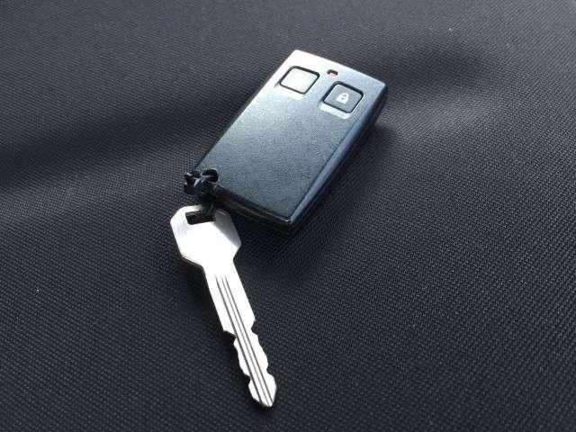 スマートキーを装備しており、ボタン一つでカギの開錠・施錠が可能です♪