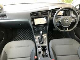 ☆ VW車カーライフのスタートはお任せ下さい。商品だけでなく、正規ディラーならでのきめ細かな保証サービスで、オーナーライフをしっかりサポートします。