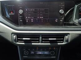 純正ナビゲーションは、8インチで様々なオーディオソースに対応いたします!CD・DVD・SD・USB・AUX・Bluetooth