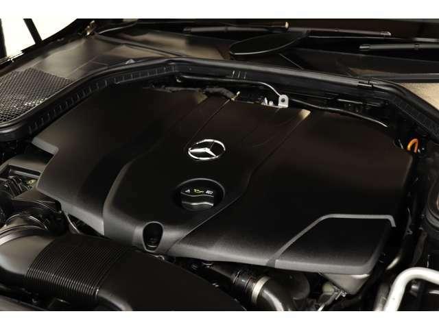 2,200cc 直4気筒DOHCディーゼルターボエンジンを装備!カタログ値170psを発生する心臓部が力強い走りを実現!9Gトロニックによるスムーズな加速も魅力的です!
