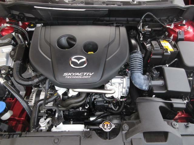 マツダが世界に誇る1.8ディーゼルエンジン。低回転から発生するパワフルなトルクと、優れた環境性能、低燃費性能。快適に楽しく走るための、文字どうり原動力となるエンジンです。