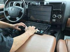 お客様に快適、安心してお乗り頂けるようTOYOTA/GMテスター各種完備しております。
