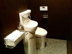 当社自慢の御手洗いです!女性のお客様にも嬉しい清潔で使いやすいトイレを完備。